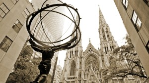 Atlas and St. Patrick´s Cathedral at Rockefeller Center. New York City. New York. United States
